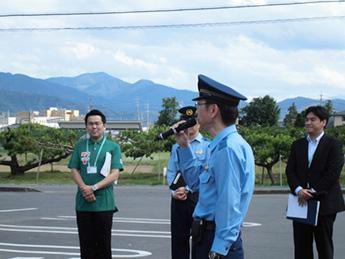 総括の様子(長野県警察 特殊詐欺抑止対策室室長様)