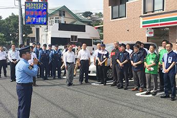町田警察署長による総括の様子