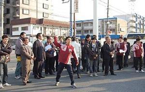 スリーエフ都賀駅前店における投てき訓練の様子